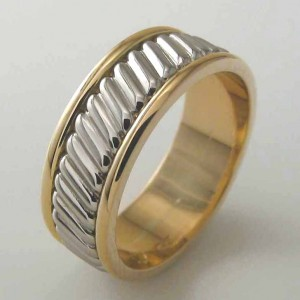 Handmade gents 18ct yellow gold wedding ring featuring a middle platinum twisted section