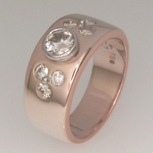 Handmade ladies 18ct rose gold diamond ring