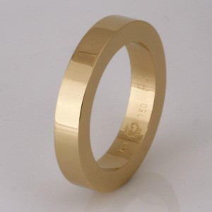 Handmade gents 18ct yellow gold wedding ring