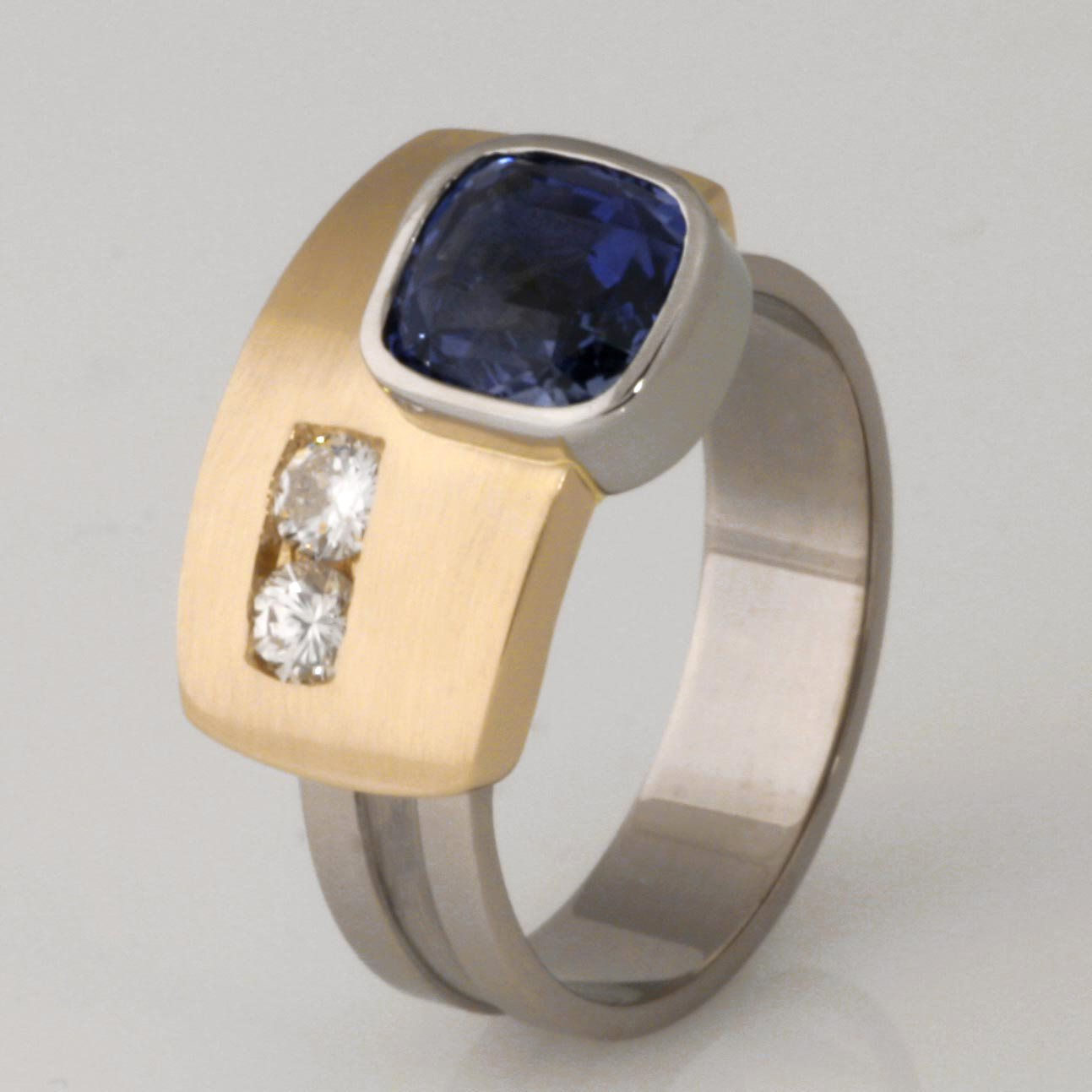 Handmade ladies 18ct yellow and white gold Sapphire and diamond Archie style ring