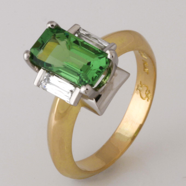 Handmade ladies Tsavorite garnet and diamond ring