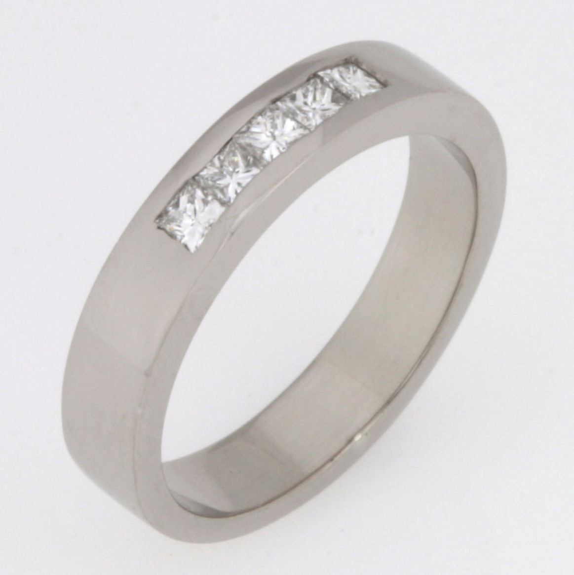 Handmade 18ct white gold diamond wedding ring