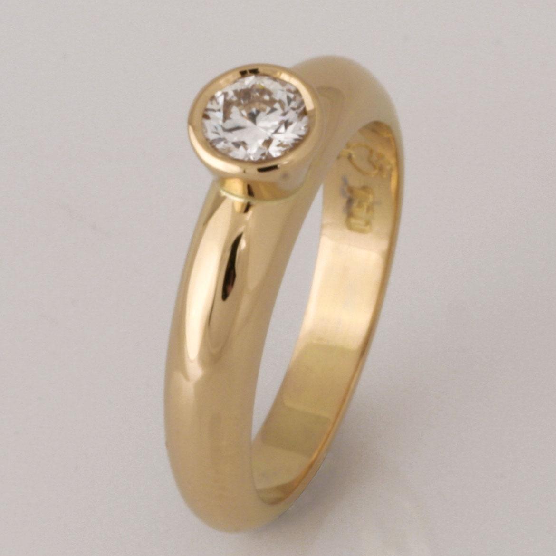 Handmade ladies 18ct yellow gold brilliant cut diamond engagement ring