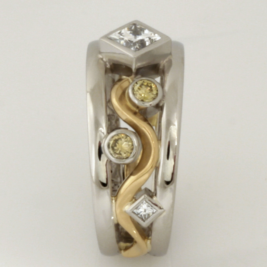 Handmade ladies 18ct yellow gold and palladium ring with yellow and white diamonds