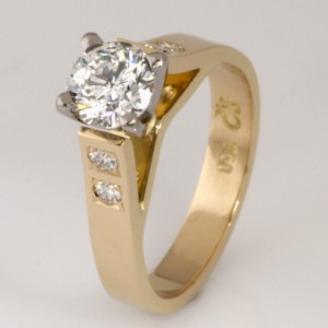 Handmade ladies 18ct yellow and white gold brilliant cut diamond engagement ring