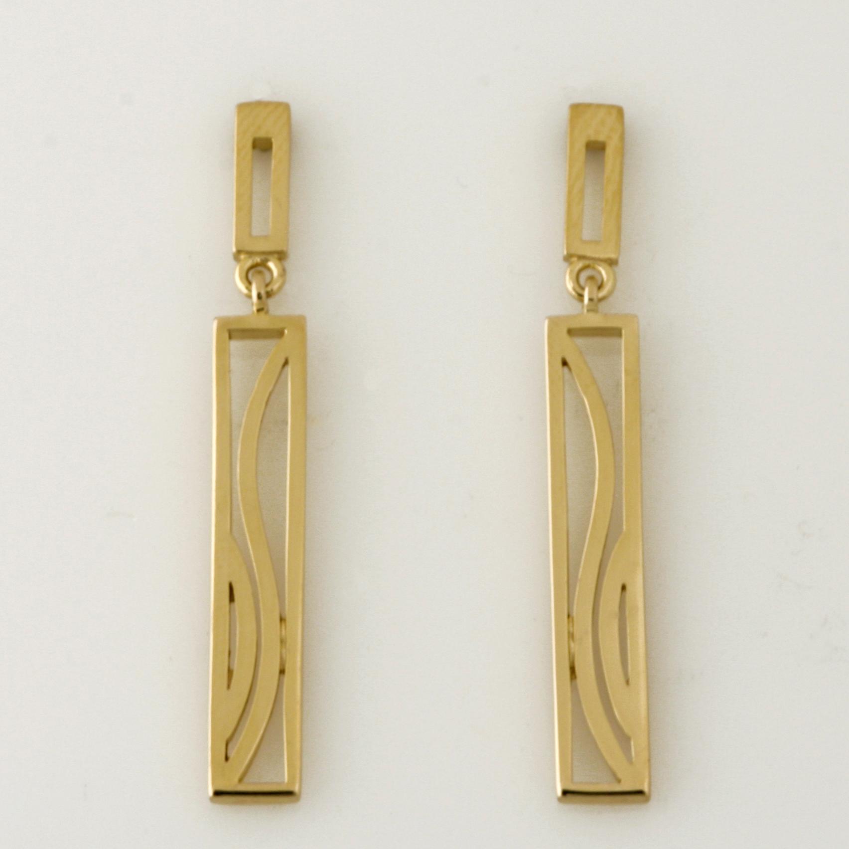 E118 9ct yellow gold long rectangle pattern drop earrings $330
