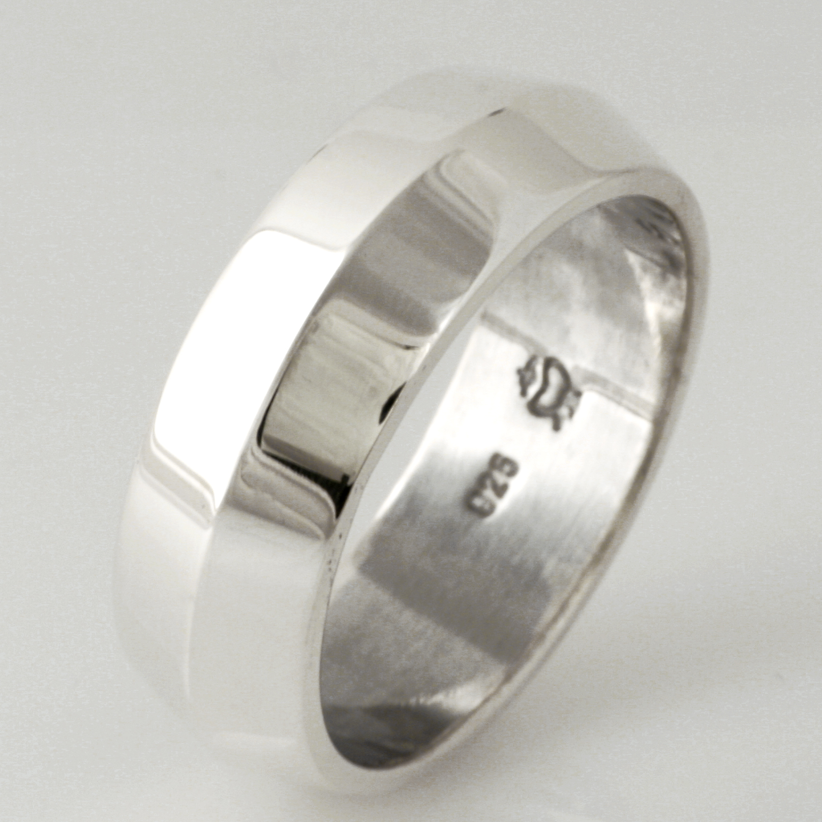 Handmade gents sterling silver wedding ring