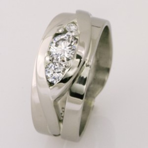 Handmade ladies 18ct white gold diamond ring