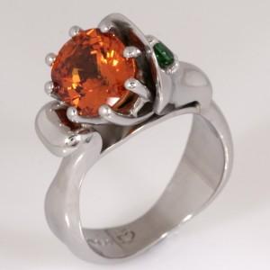 Ladies palladium manderin garnet and tsavourite garnet ring