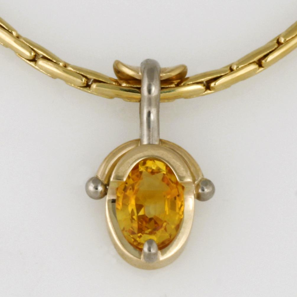 Handmade yellow gold yellow sapphire pendant