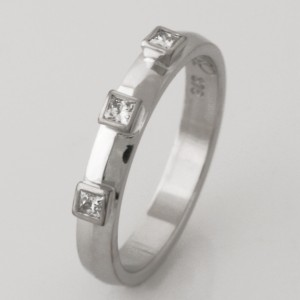 Handmade ladies 9ct white gold diamond eternity ring