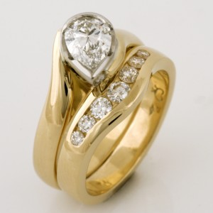 Handmade ladies 18ct yellow gold pear shape diamond engagement and wedding ring set