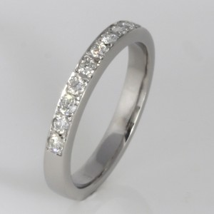 Handmade ladies palladium diamond ring