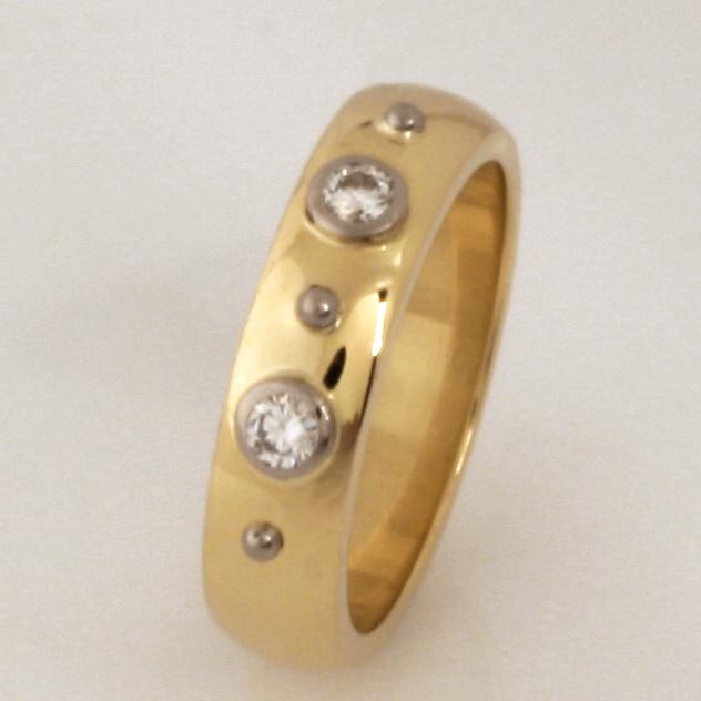 Handmade ladies 18ct yellow and white gold diamond wedding ring