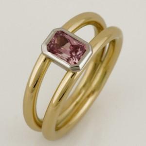 Handmade ladies 18ct yellow gold and palladium peach sapphire ring