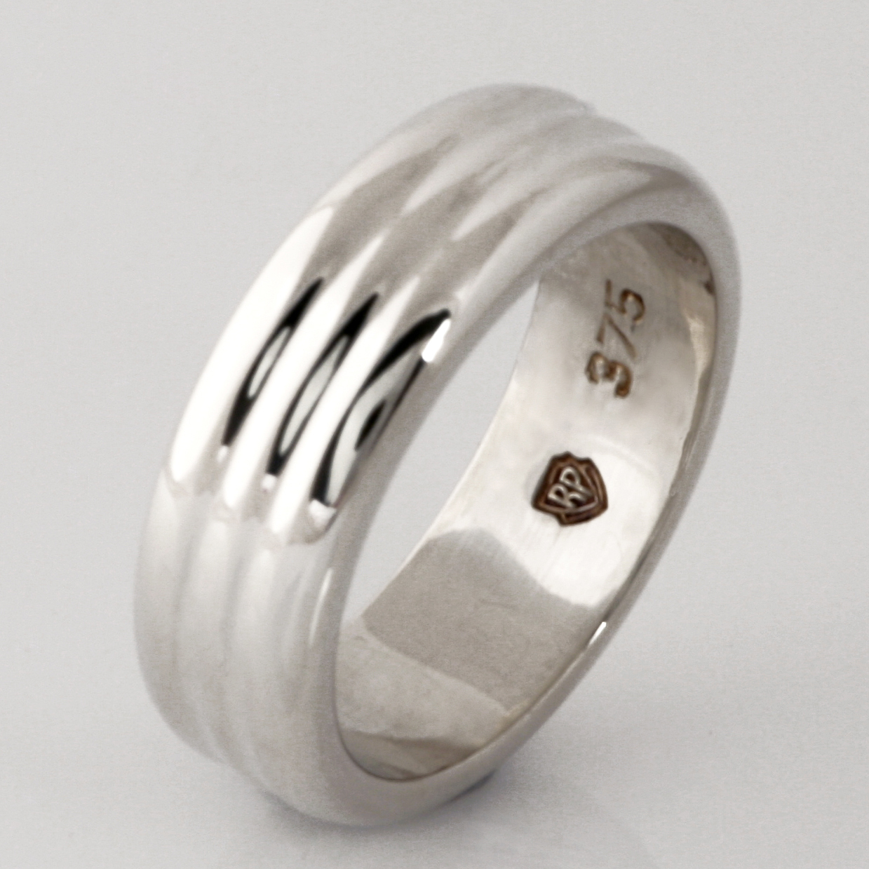 Handmade gents 9ct white gold wedding ring