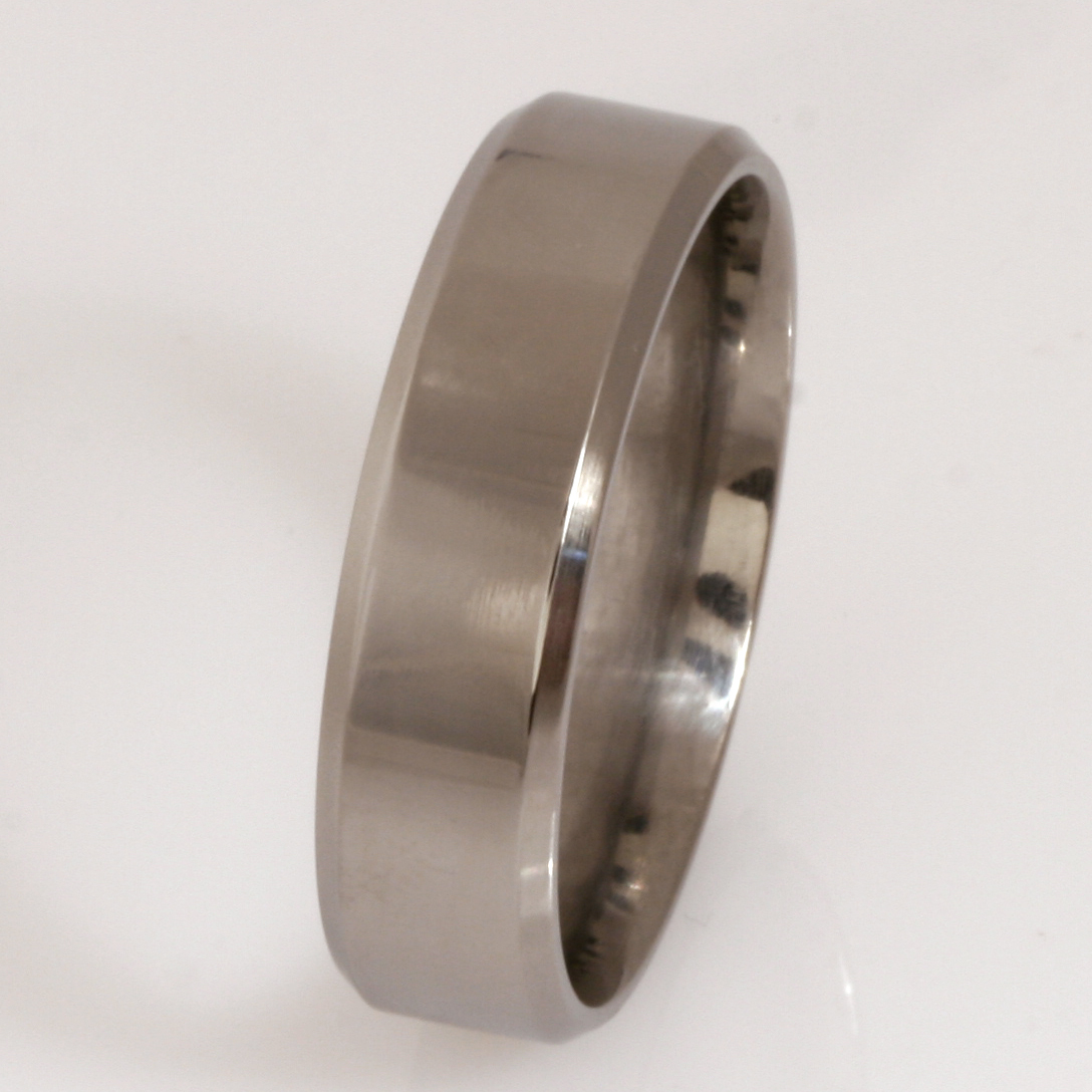 Gents 7mm titanium wedding ring