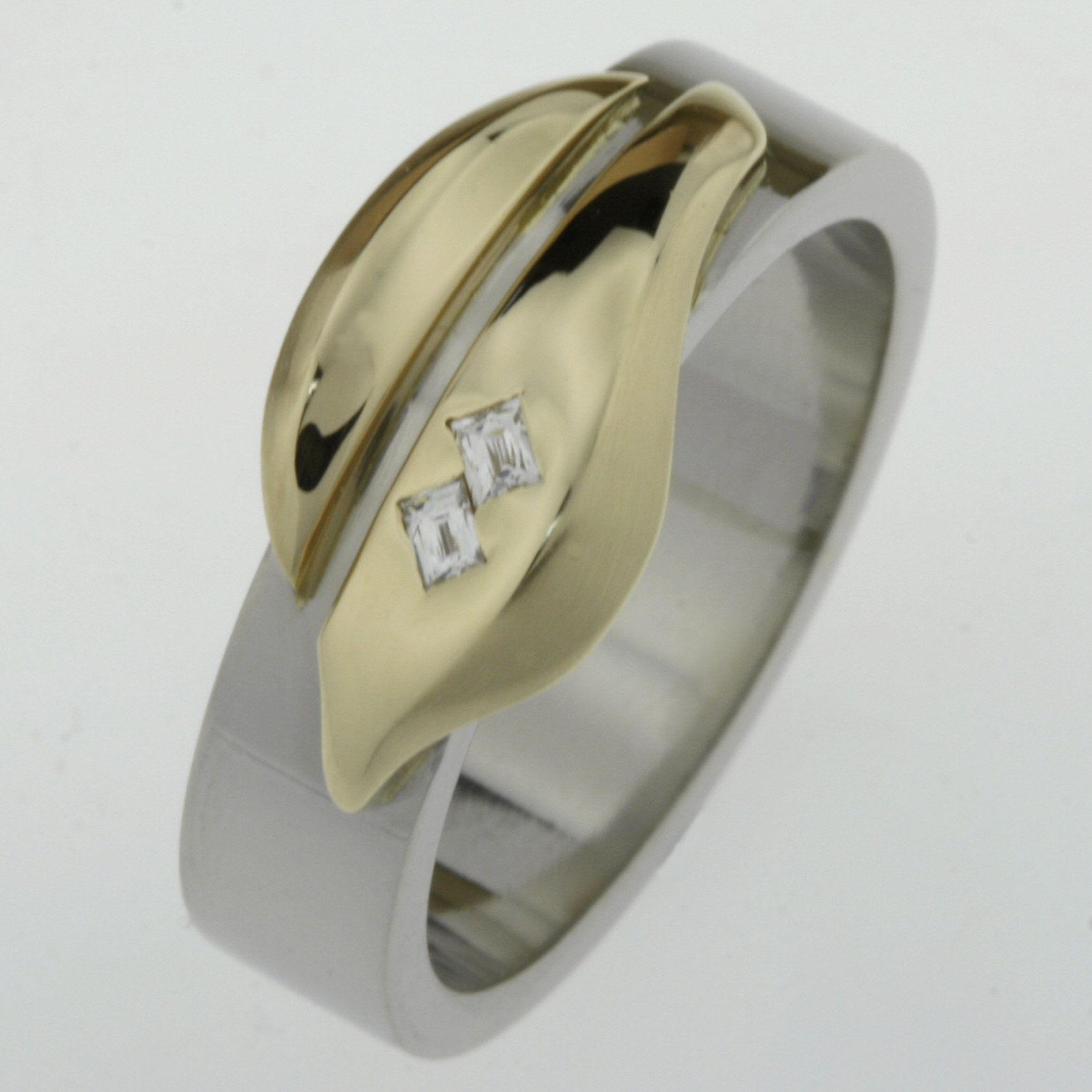 Handmade gents 18ct yellow gold and palladium 'Tycoon' cut diamond wedding ring