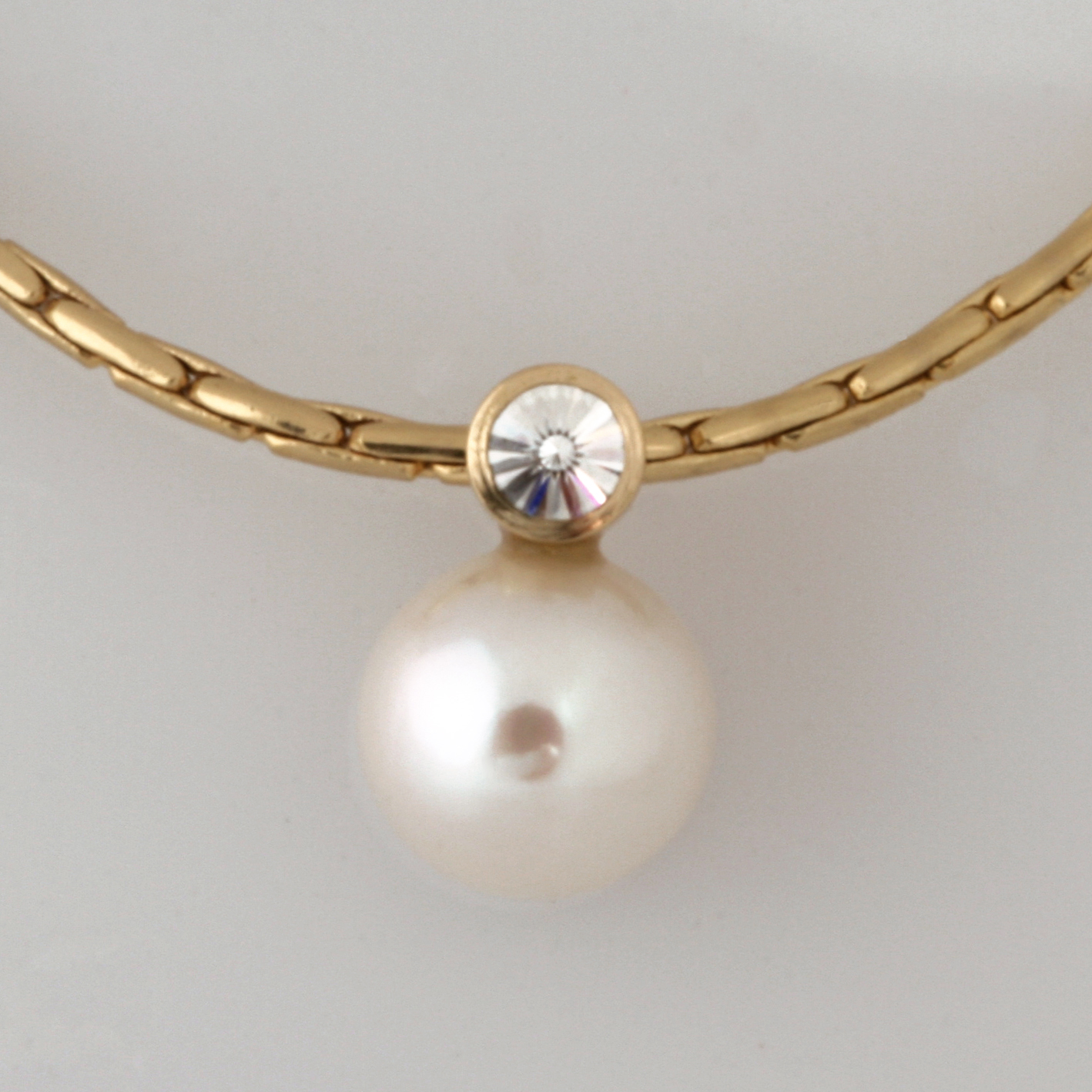 Handmade 18ct yellow gold pearl and 'Spirit' cut diamond pendant and 14ct yellow gold chain