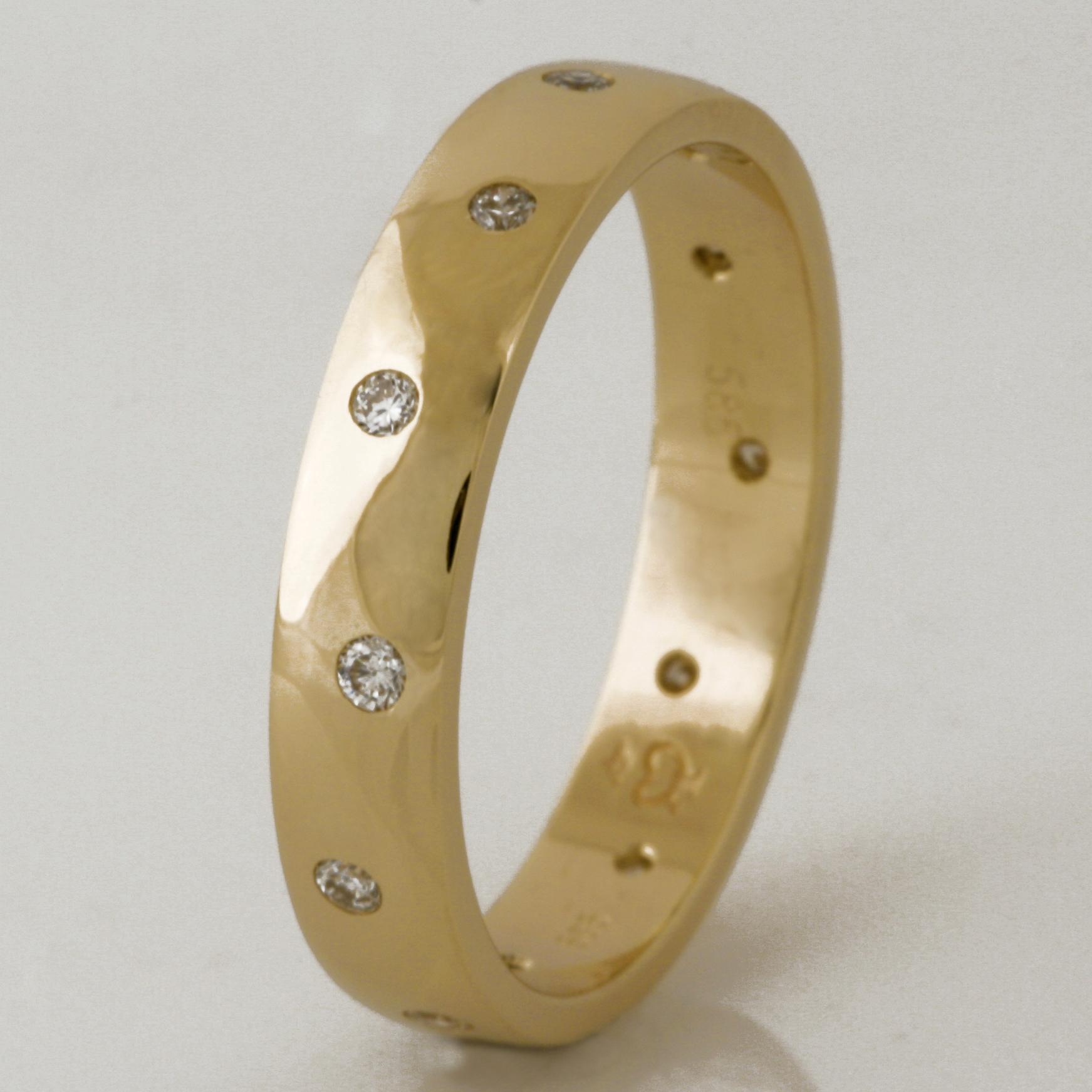 Handmade ladies 14ct yellow gold diamond wedding ring
