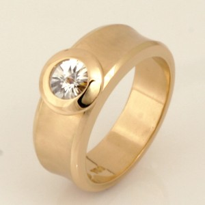 Handmade ladies 18ct yellow gold 'Spirit' cut diamond ring