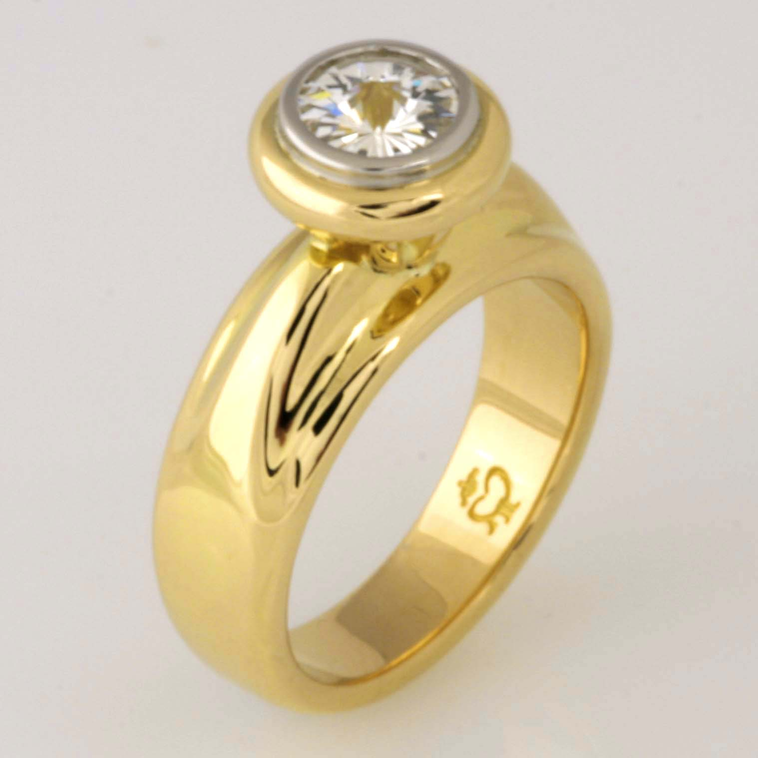 Handmade ladies 18ct yellow gold and palladium 'Spirit' cut diamond ring