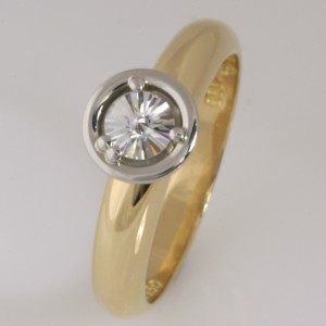Handmade ladies 18ct yellow gold, palladium and platinum 'Spirit' cut diamond ring