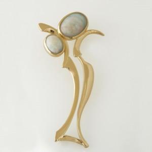 Handmade ladies 18ct yellow gold white opal brooch