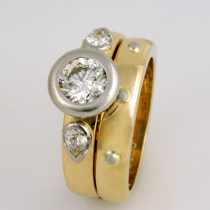 Ladies handmade 18ct yellow gold diamond wedding set