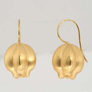 E0185 Nigella seed earrings. Sterling silver and fine gold plate $425