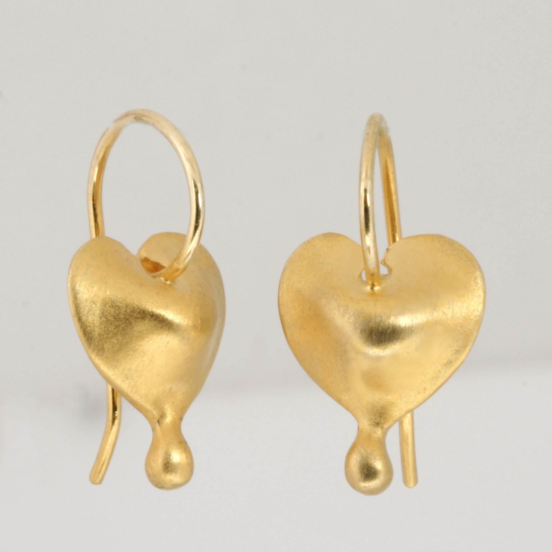 E0186 Bleeding heart seed earrings. Sterling silver and fine gold plate. $395