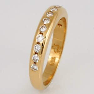 Handmade ladies 18ct yellow gold diamond set wedding ring