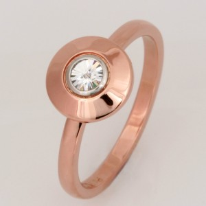 Handmade ladies 18ct rose gold ring featuring a 'Spirit' cut diamond