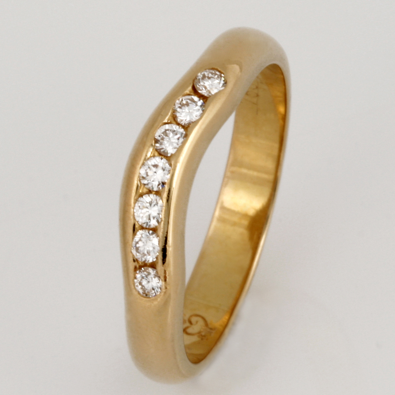 Handmade ladies 18ct yellow gold diamond set ring