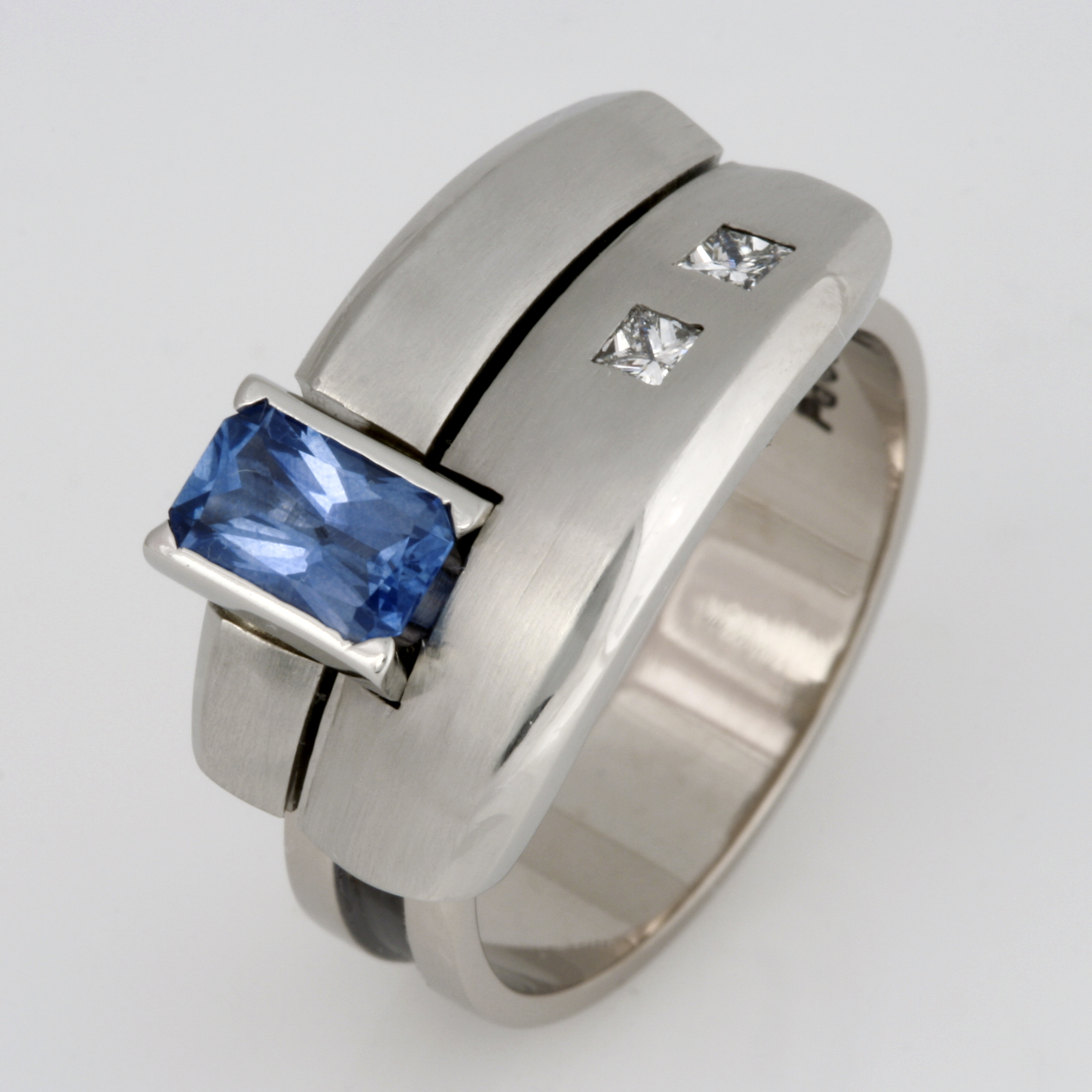 Handmade ladies palladium Ceylon sapphire and diamond 'Archie' style ring