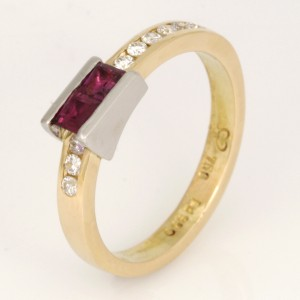 Handmade ladies 18ct yellow gold and palladium ring featuring a ruby and diamond