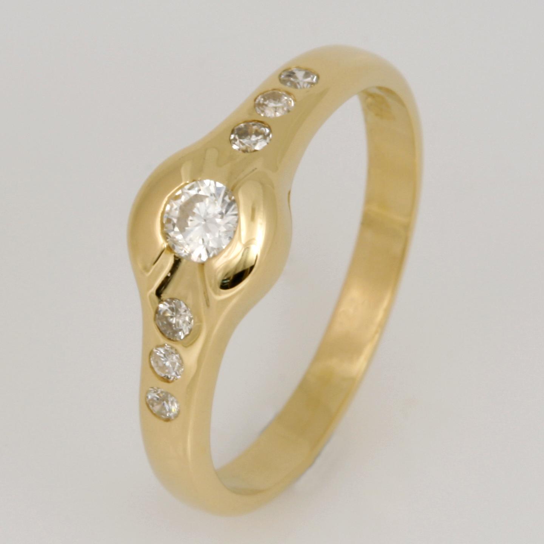 Handmade ladies 18ct yellow gold diamond ring