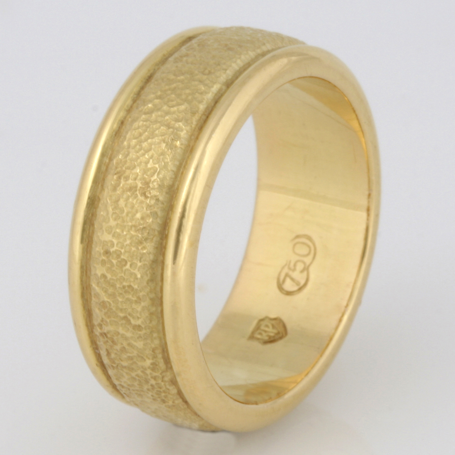 R006 18ct yellow gold ladies hammered wedding ring. $1295