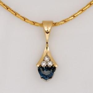 Handmade ladies 18ct yellow gold blue zircon and diamond pendant
