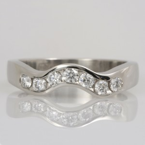 Handmade ladies palladium diamond fitted wedding ring set