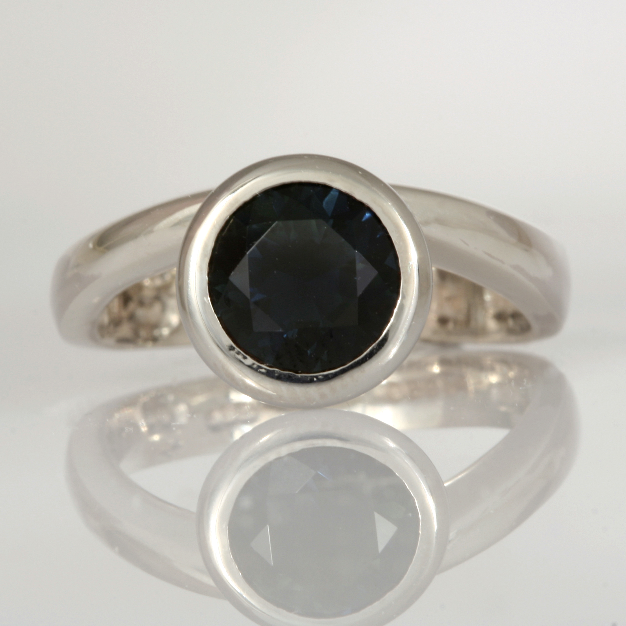 Handmade ladies sterling silver, palladium and 9ct white gold sapphire ring