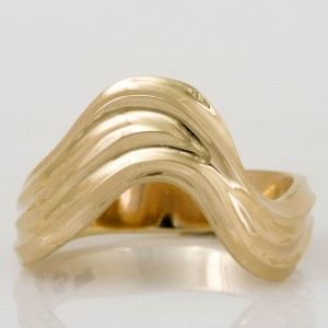 Handmade ladies 9ct yellow gold ring
