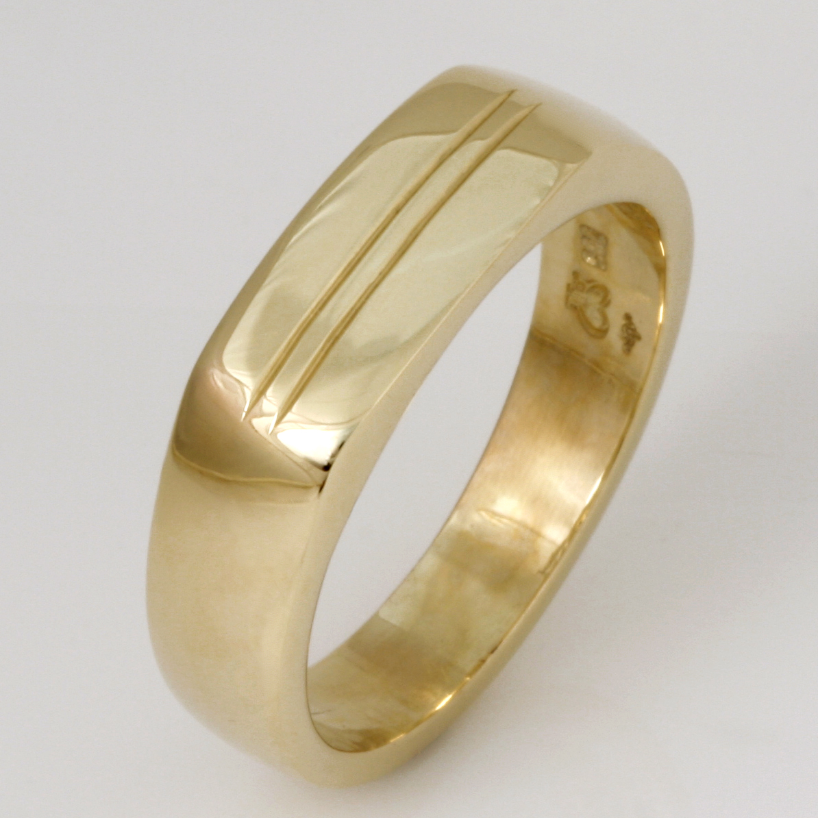 Handmade gents 14ct yellow gold wedding ring