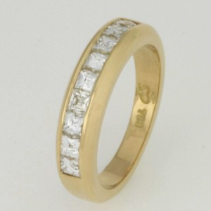 Handmade ladies 18ct yellow gold wedding ring featruing Tycoon cut diamonds