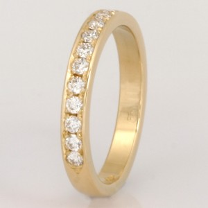Handmade ladies 18ct yellow gold diamond wedding ring