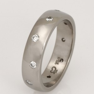 Handmade ladies 18ct white gold diamond wedding ring