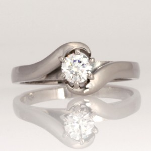 Handmade ladies 18ct white gold diamond engagement ring