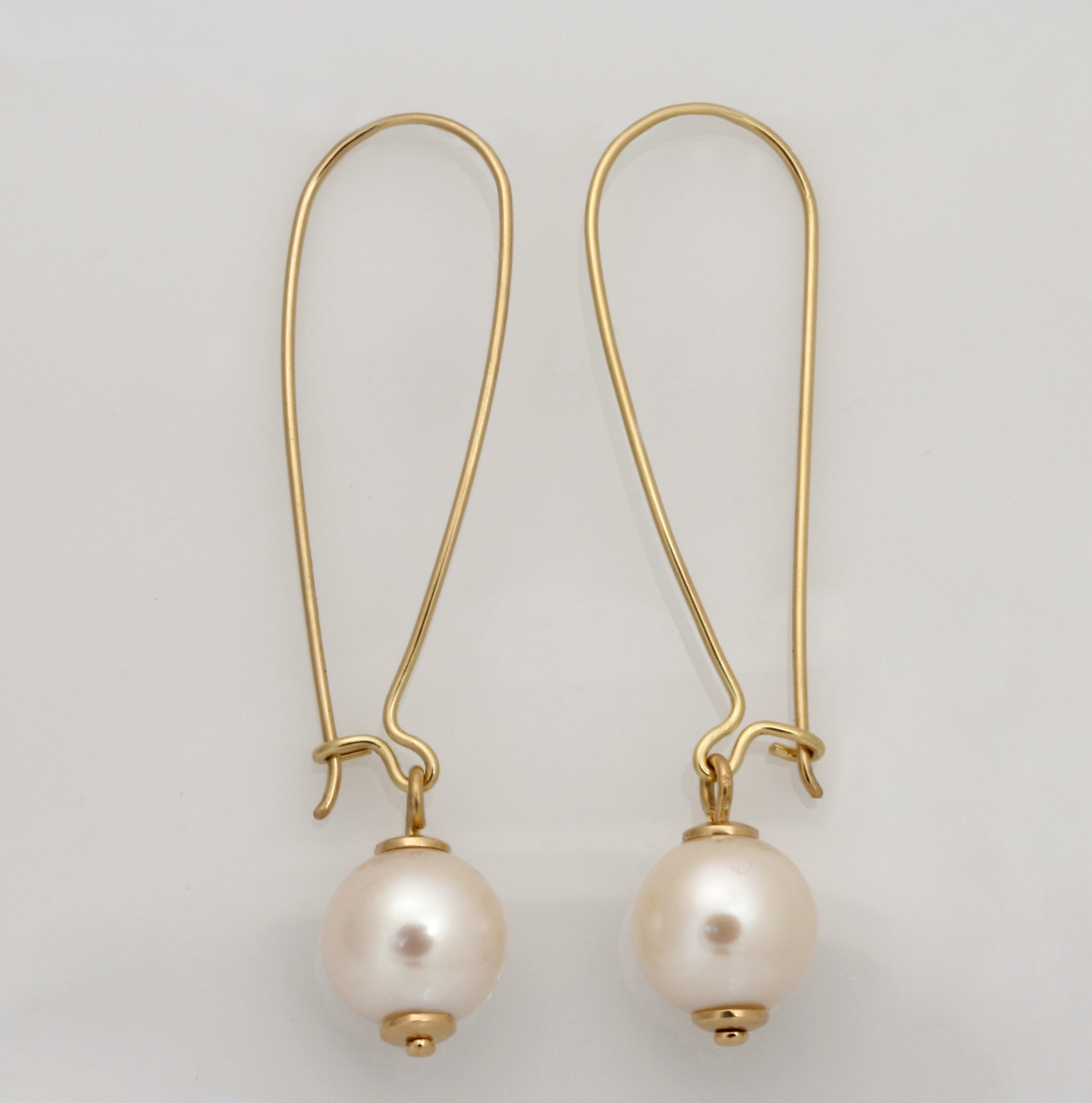 Handmade ladies 18ct yellow gold wire drop earrings featuring fresh water pearls