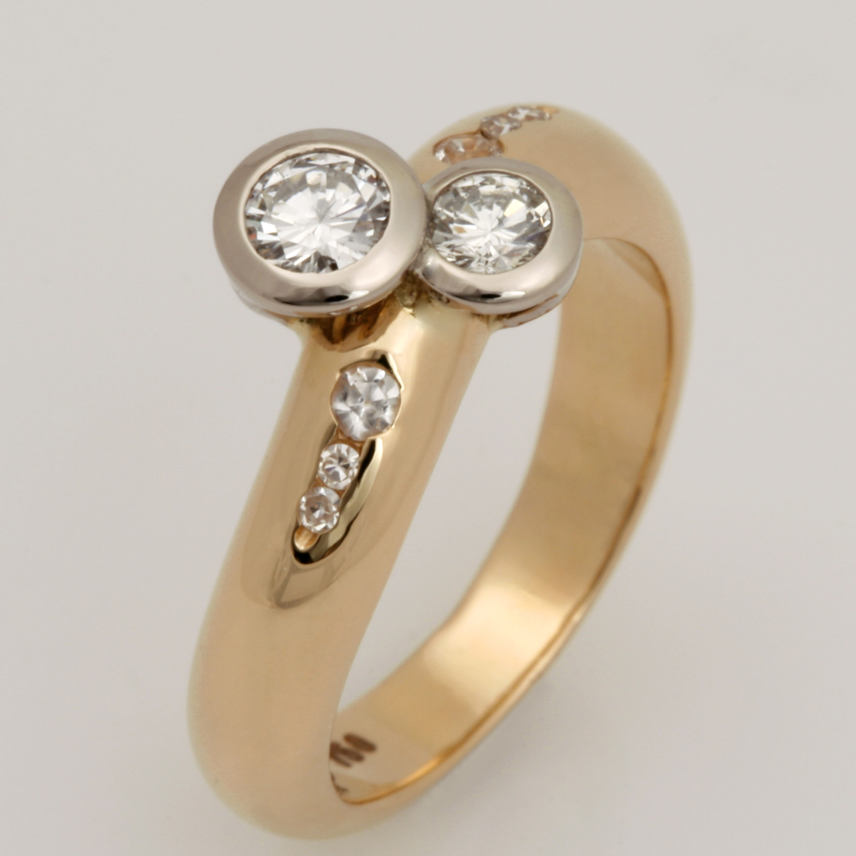 Handmade 18ct yellow gold and diamond ring