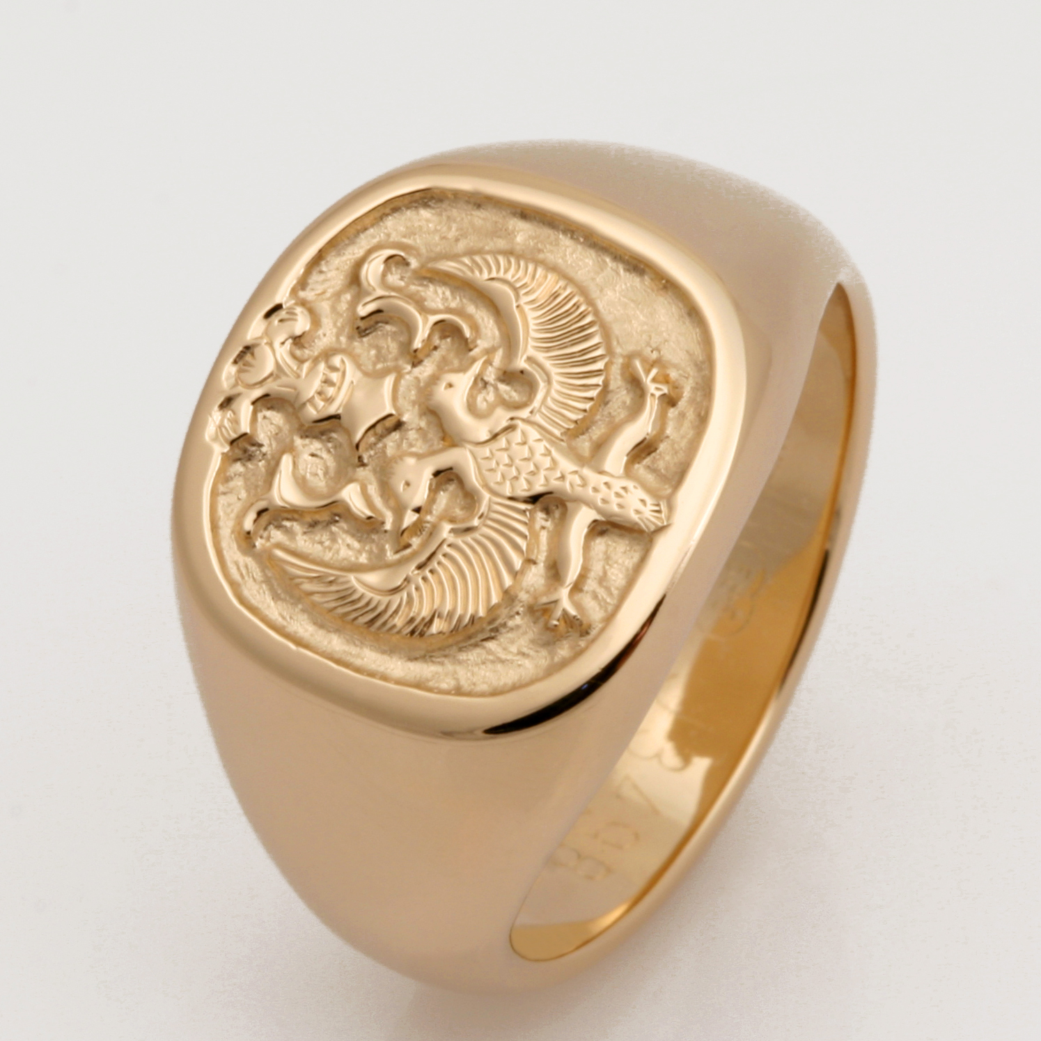 Hand carved 14ct yellow gold mens signet ring